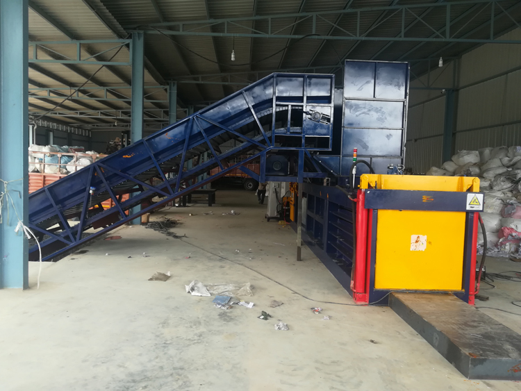 NKW180BD Scrap PET Bottles Horizontal Baler