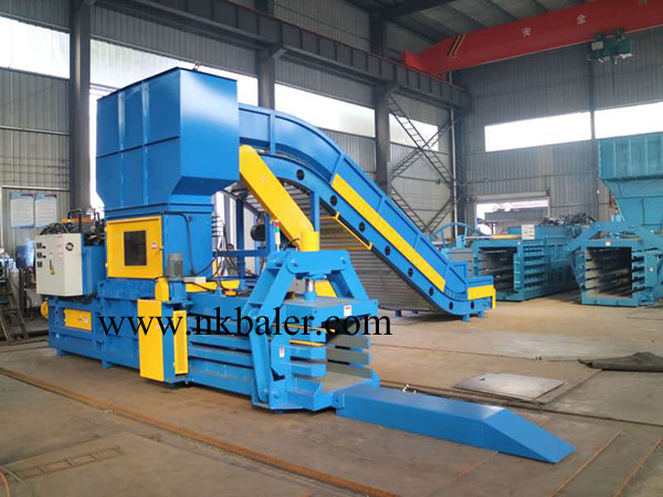 Two types of horizontal waste paper baler